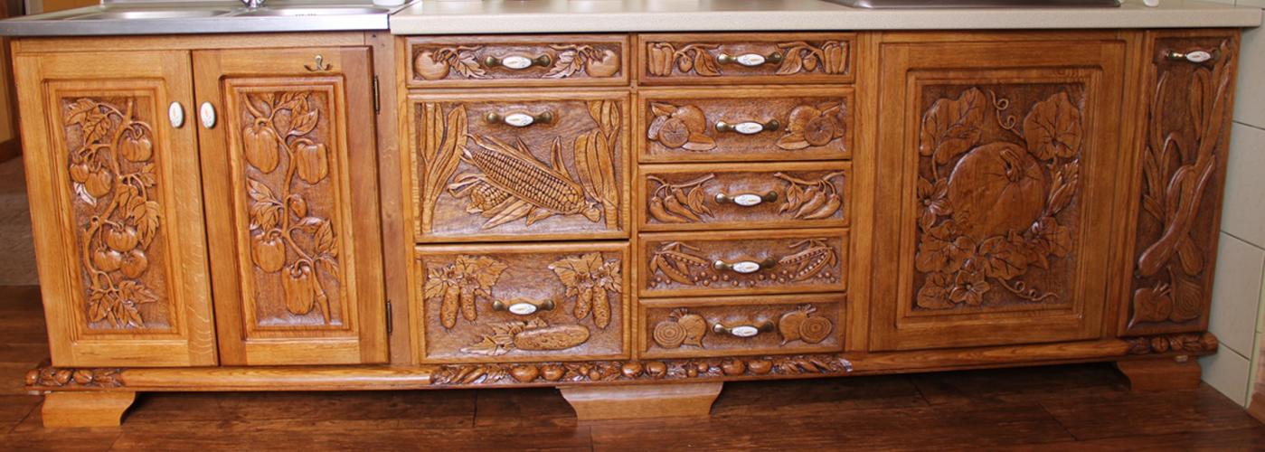Pracownia ręcznej rzeźby w drewnie Władysław i Adam Gębiak, Meble rzeźbione